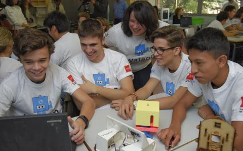 Alumnos del Instituto público de secundaria Marqués de Suanzes presentas sus proyectos.