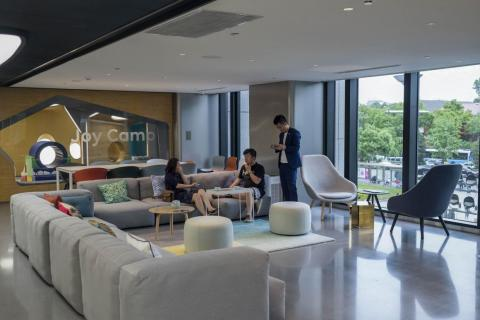 At its core, the Nio House is a chill place to escape the bustle of the city. I could picture stopping at one before or after work if it was near the office (which is the idea).