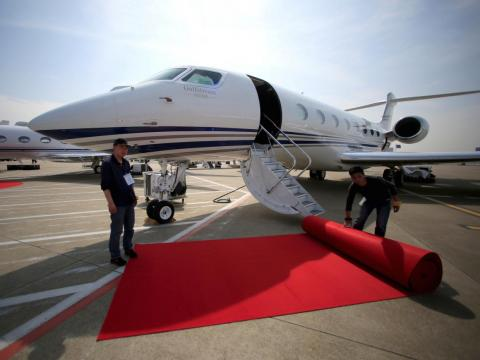 However, Bezos also owns a $65 million Gulfstream G650ER private jet.