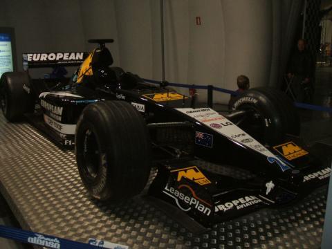 El Minardi con el que Fernando Alonso disputó la temporada 2001 de Fórmula 1, en su museo
