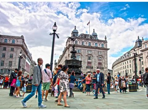 More than 9 million people live in London, England. In 2017, a record 19 million tourists visited the city.