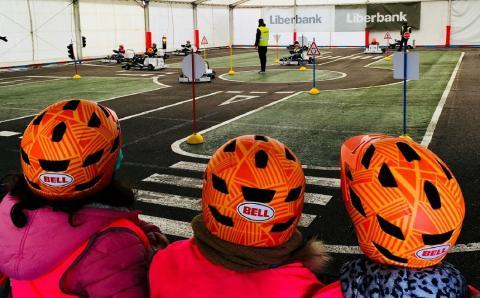 Niños en curso de seguridad vial del karting de Alonso