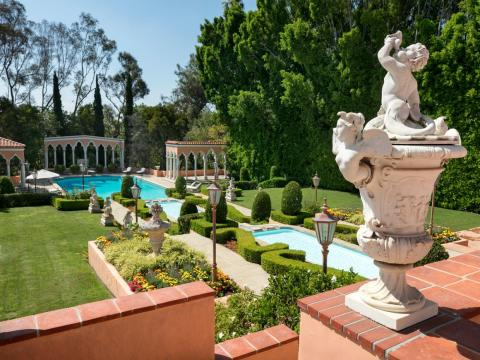"One real estate website called the Beverly House a ""quintessential emblem of Hollywood's Golden Era."""