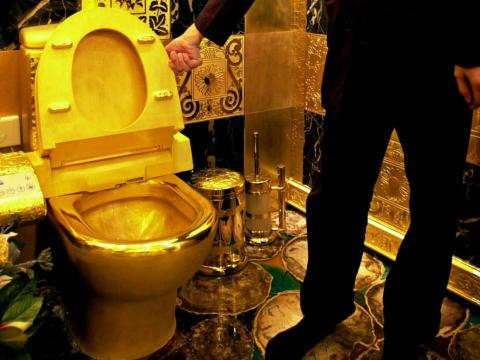 One way to show that you're ultra-wealthy is to surround yourself with as much gold as possible. A Hong Kong jeweler spent $3.5 million building a bathroom made entirely of gold and precious jewels, including a 24-carat solid gold