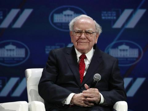 That same week, he donated about $800 million in Berkshire Hathaway stocks to the Susan Thompson Buffett Foundation, Sherwood Foundation, Howard G. Buffett Foundation, and NoVo Foundation.
