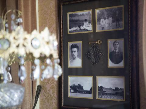 Ella y su esposo William Carr se mudaron a la casa en los años 40. Goyette dijo que murió en el salón de mujeres