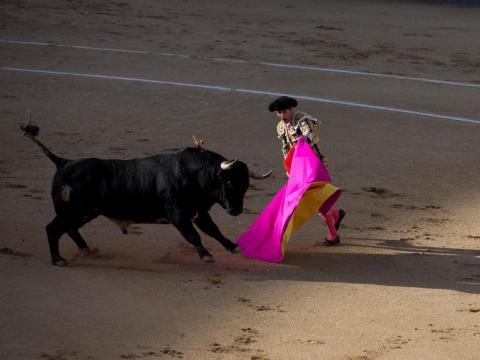 There are also six weeks out of the year where bull fights happen daily during the San Isidro festival where locals take to the streets and dress up in traditional Madrid costumes.