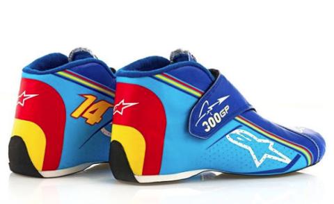 Zapatillas de AlpineStars conmemorativas de los 300 Grandes Premios de Fernando Alonso
