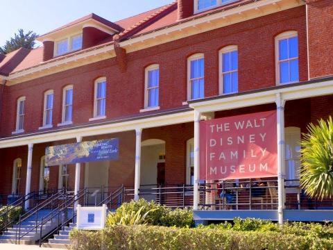 El CEO y cofundador de Airbnb Brian Chesky dice que su lugar favorito para tener grandes ideas es el Museo Familiar de Walt Disney de San Francisco [RE]