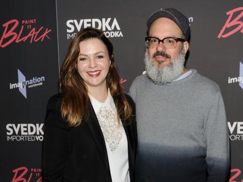"""Amber Tamblyn y David Cross en el estreno de """"Paint it Black"""" en 2017."""