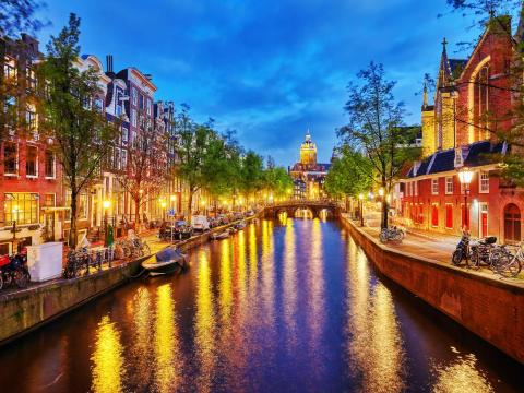 Amsterdam is an ideal trip for some sightseeing.