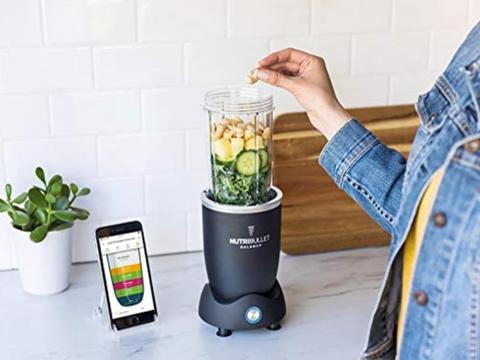 Una licuadora que puede rastrear los ingredientes para ayudarte a hacer comidas más saludables