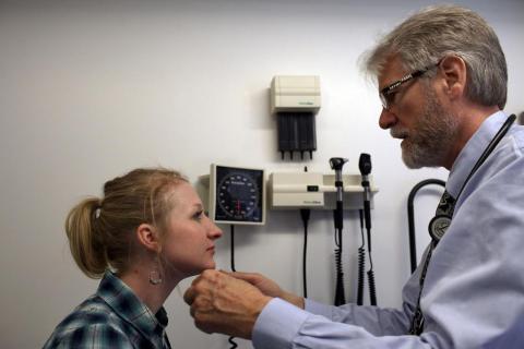 Ciertas pruebas de salud son recomendables para la gente joven