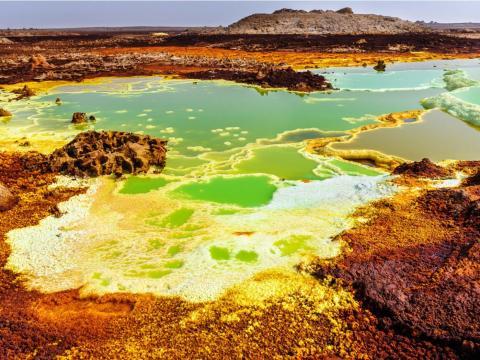 La Depresión Danakil es conocida por ser una de los lugares más calientes, secos, y menos habitables del planeta.