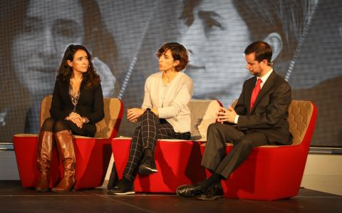 Eugenia Sillero (Gasnam, izq.), Virginia Ocio (Endesa) y Juan Alberto Ortigosa (Ministerio de Industria).