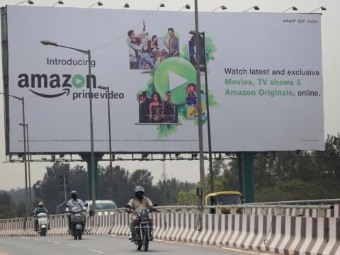 Un anuncio de Amazon en Bangalore, India.