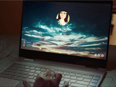 El reconocimiento facial para desbloquear los portátiles Mac.