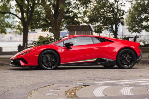 The Huracán is, effectively, a wedge. What the Performante adds to this already aerodynamic design is a welter of technologies to make a very fast car go very much faster.