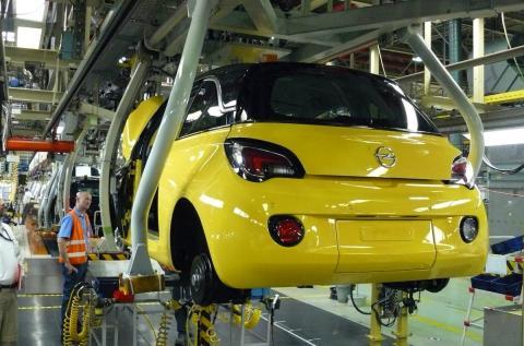 Una imagen de la fabricación de un coche Opel.