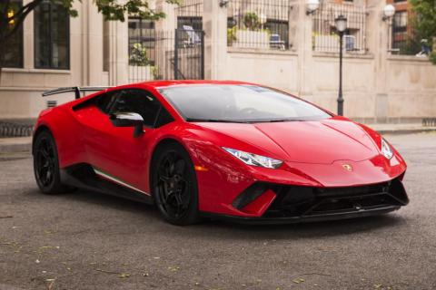 I've always been a fan of the Huracán. I think it's one of the most beautiful and purposeful Lambos. The lines and curves flow almost musically, and the music is loud without being excessively distorted.