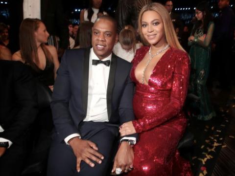 Jay-Z y Beyonce en los Premios Grammy 2017.