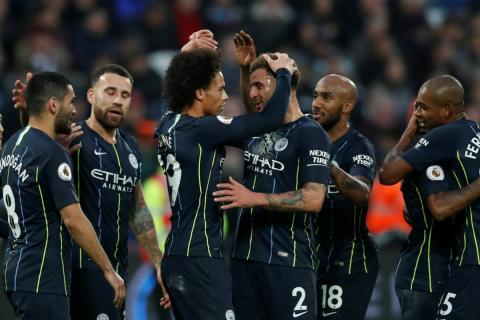Jugadores del Manchester City celebran una victoria