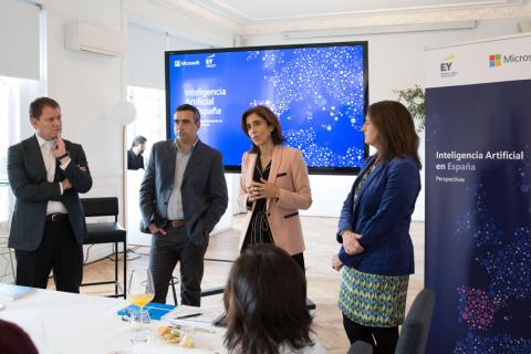 Rueda de prensa donde se ha presentado el estudio de Microsoft y EY