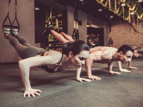 Puede desarrollar músculo en lugares específicos, pero no puede perder peso en lugares específicos.