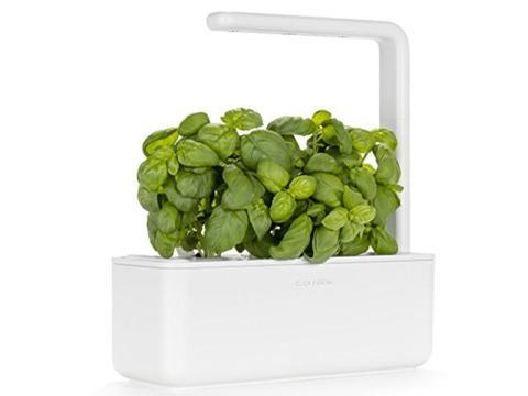 Un jardín inteligente que cultiva plantas y hierbas en el interior [RE]