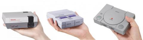 De izquierda a derecha: NES Classic Edition, Super NES Classic Edition y PlayStation Classic.
