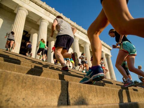 Sin suficientes carbohidratos, puede ser difícil tener la energía para hacer ejercicio.