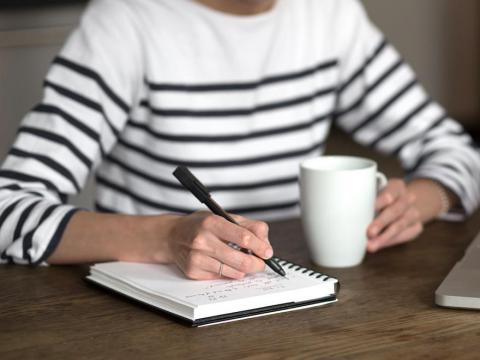 """4. Choose three to five """"to-do"""" list tasks per day"""