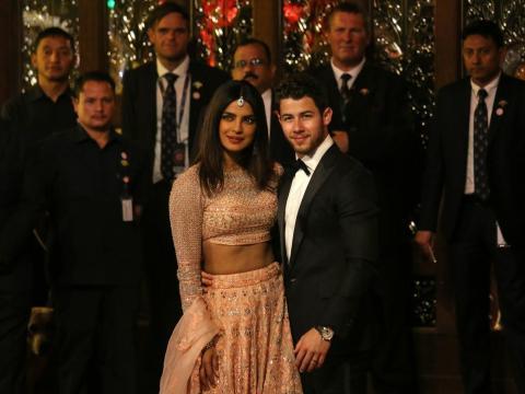 ... la actriz Priyanka Chopra y su marido, Nick Jonas...