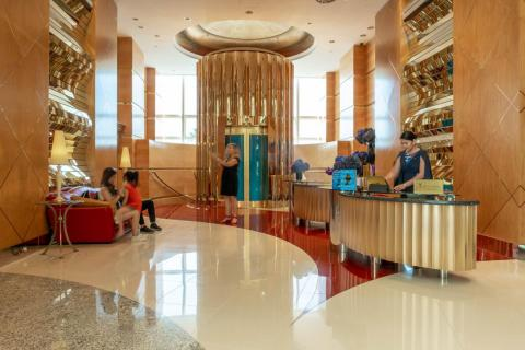 After a few hours lounging by the pool, it was time for dinner. The way to the restaurant brought me to this side lobby. I'm not kidding when I say that every room was like a finely crafted piece of jewelry. The turquoise-and-gold