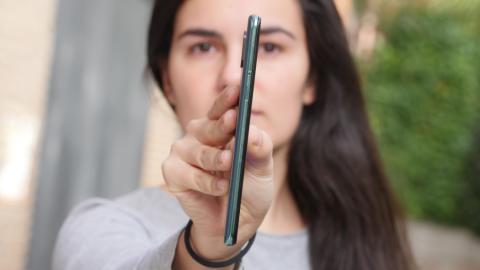 Anchura del Xiaomi Mi MIX 3.
