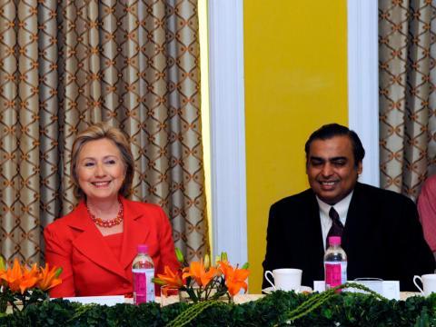 ... y la ex Secretaria de Estado, Hillary Clinton. Los Clinton y los Ambanis se conocen desde hace casi 20 años.