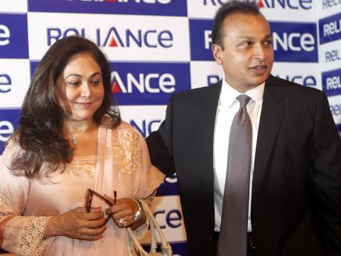 Anil está casado con Tina Ambani, una ex actriz de Bollywood...