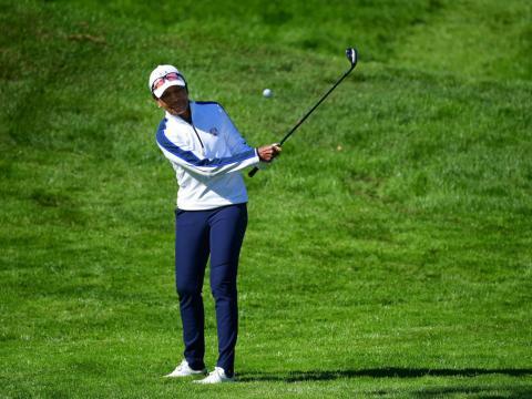 Condoleeza Rice golfs