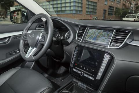In contrast to the bold exterior design, the interior is stylish, but much more restrained.