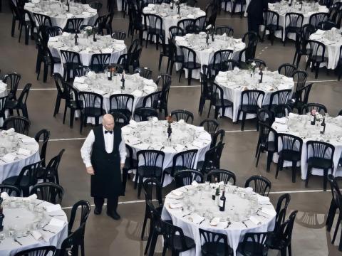 Un enorme hall que puede acoger a 200 invitados.
