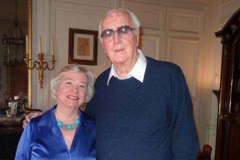Hubert de Givenchy, junto a Nicole Trabaud.