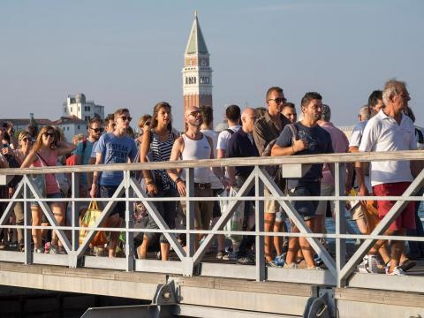 If the crowds got too thick, only those with a Venezia Unica pass, mainly used by residents to pay for public transport, would be able to pass through the turnstiles.