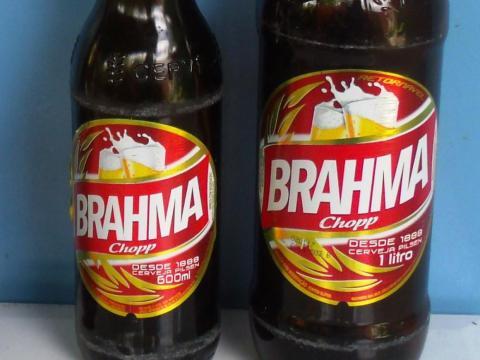 Si pides una copa de cerveza en Brasil, es probable que te sirvan Brahma.