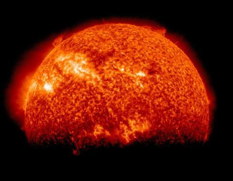 Imagen de un eclipse solar visto desde el Observatorio Solar Dynamics