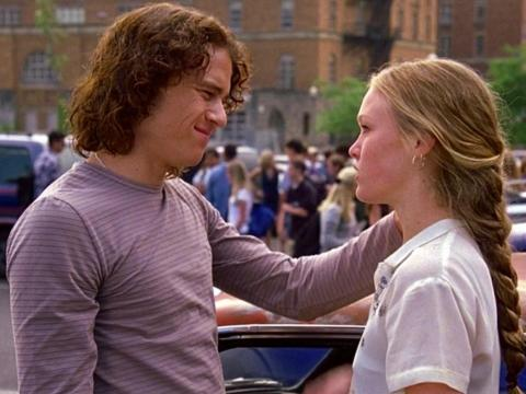 """Julia Stiles and Heath Ledger in """"10 Things I Hate About You."""""""