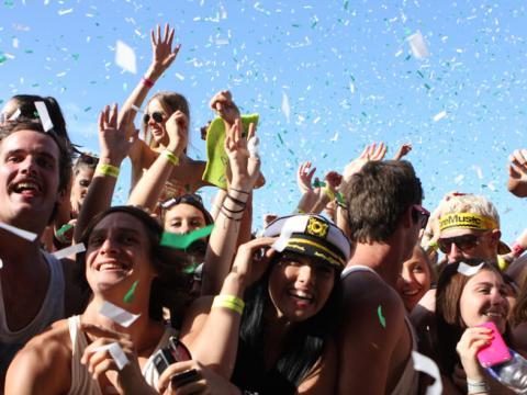 Jóvenes en festival en Sidney
