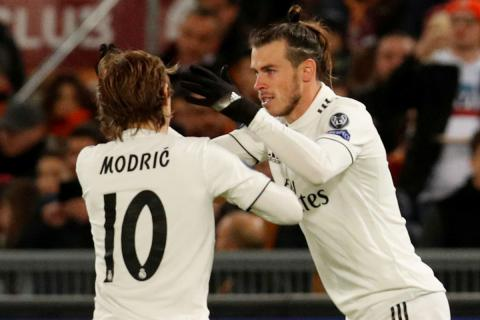 Luka Modric, junto a Gareth Bale durante un partido