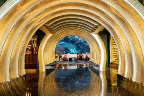 But Al Mahara, like the Burj, does nothing halfway. Witness this golden seashell entrance hallway to the dining room. There are a few places I've been to in my life that seem ripped from a Bond villain's lair. This is one of them.