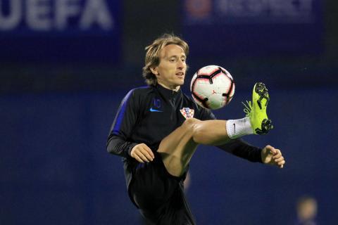 Modric, calentando antes de un partido del Mundial