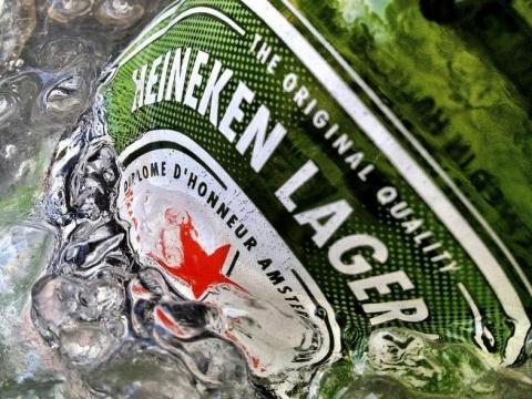 Países Bajos ha ganado premios por Heineken. [RE]